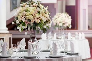 pretty-wedding-flowers-table