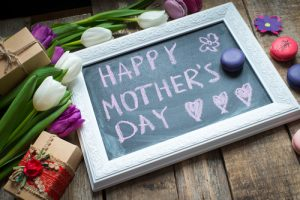 mothers-day-flowers-gifts