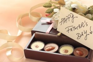 fathers-day-chocolates-flowers