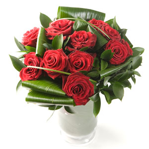 12 Luxury Red Roses Floral Bouquet