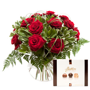 Bouquet of 12 Red Roses & Chocolates