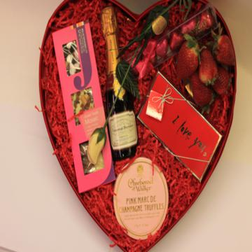 Extraordinary love heart gift keepsake box for valentines for Valentines delivery gifts for her