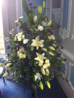 Spectacular Arrangement of Purples and Whites