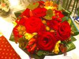 Vibrant Red Rose Table Decorationn