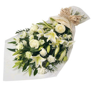 Pure layered Bouquet of Flowers