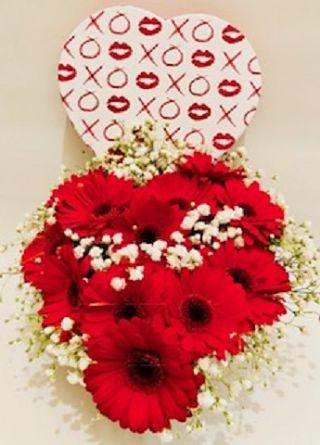 Arrangement in Heart Box