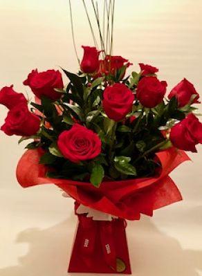 12 Freedom Roses Arrangement