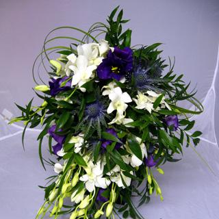 Singapore Tear Drop Bridal Bouquet