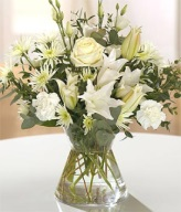 White Classic Hand-tied arrangement of flowers