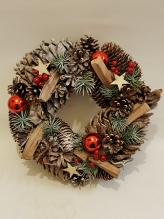 Woodland Red Bauble Snow Wreath